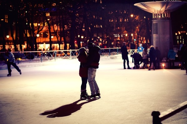 christmas-ice-skating-love-night-spikersuppa-Favim.com-125207